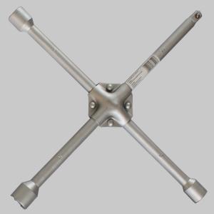 套筒扳手适合拆装部位狭小、特别隐蔽的螺栓或螺母